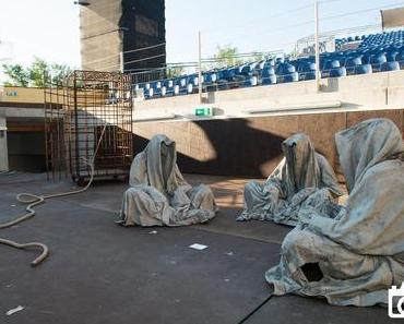 Geisterstunde im Kulturschloss Manfred Kielnhofer Guardians of Time Galerie Kunst und Handel Skulptur der Gegenwart contemporary art scupture