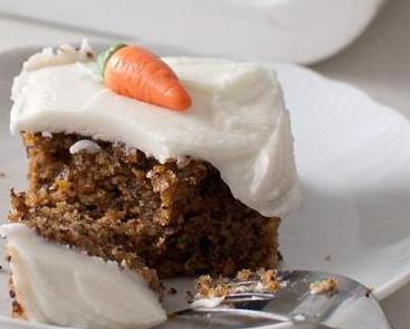 Karottenkuchen (vegan) mit Frischkäse-Creme (nicht vegan)
