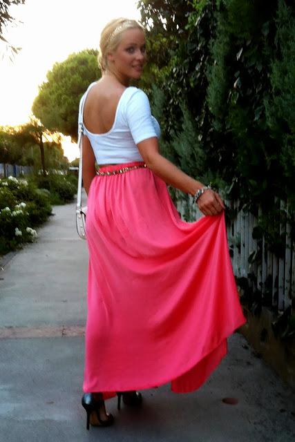 Thursday to go: Maxi skirt and cropped top