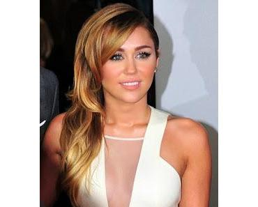 Sinead O'Connor streitet sich online mit Miley Cyrus