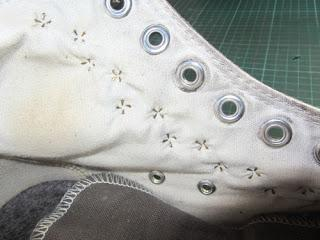 Upcycling: Nieten-Chucks