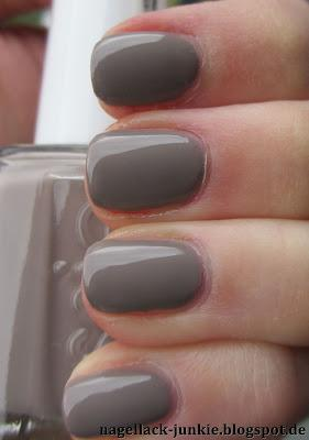 essie Miss Fancy Pants [Stylenomics]