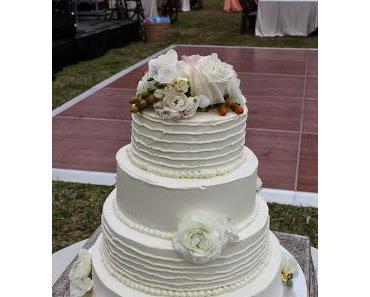 Hochzeitstorte klassisch, anders