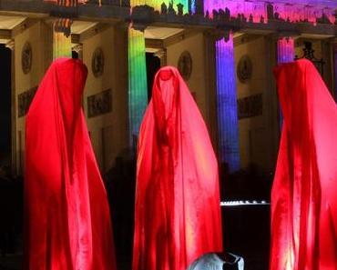 Festival of Lights Berlin Brandenburger Tor, Pariser Platz, USA Botschaft Wächter der Zeit, Guardians of Time Manfred Kielnhofer