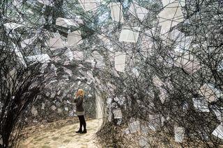 Kunst & Textil - Ausstellung im Kunstmuseum Wolfsburg, bis 2. März 2014