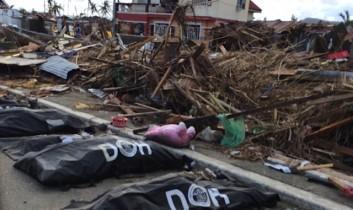 """Schleppende Hilfe für Totenstadt Tacloban: Das """"Katrina"""" der Philippinen?"""