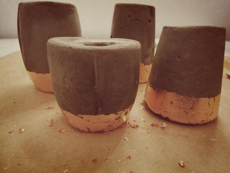 kupferst cke kerzenst nder aus beton. Black Bedroom Furniture Sets. Home Design Ideas