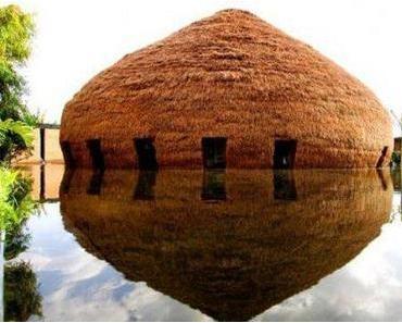 Kaffeehaus in der Bambus-Kuppel
