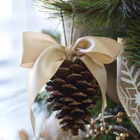 Pine Cone bow ornament