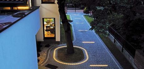 licht f r garage und carport so parken sie sicher ein. Black Bedroom Furniture Sets. Home Design Ideas