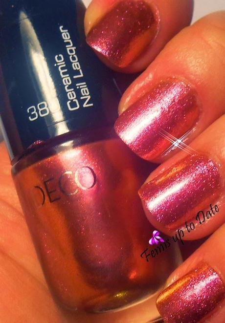 Artdeco Ceramic Nail Lacquer iridescent red