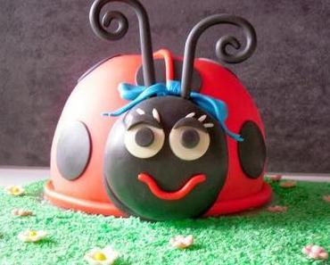 Lady Bug Torte oder ein kleines Marienkäfer Mädchen