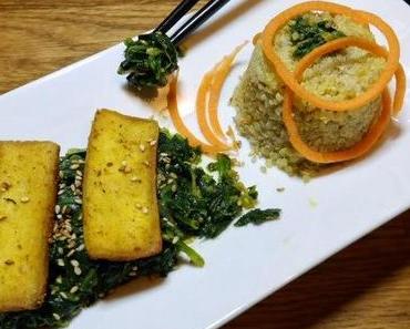 Tofu in pikanter Ingwer-Marinade krönt Süppchen nach japanischer Art...