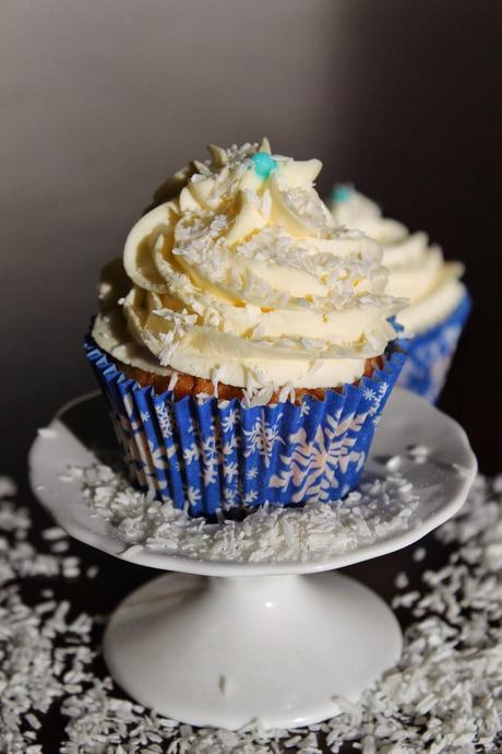 winterliche cupcakes mascarpone topping. Black Bedroom Furniture Sets. Home Design Ideas