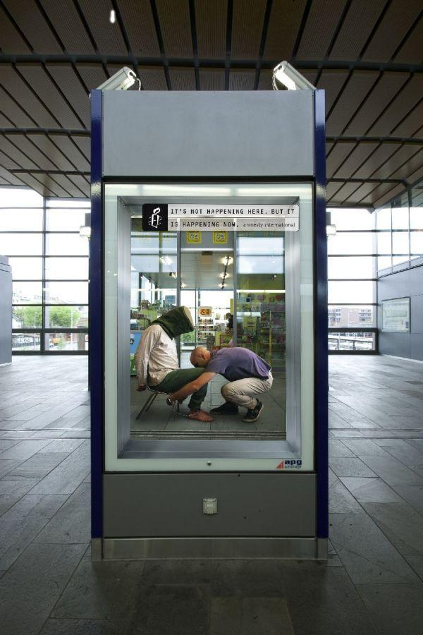 Eindrucksvolle Amnesty International Kampagne: Its not happening here. But it is happening now.