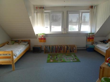 zuhause im gl ck das neue kinderzimmer. Black Bedroom Furniture Sets. Home Design Ideas