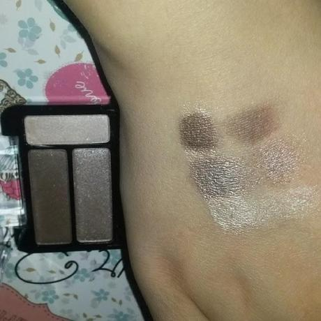 Swatches und erste Eindrücke: Essence Smokey Eyes Set in 02 smokey day