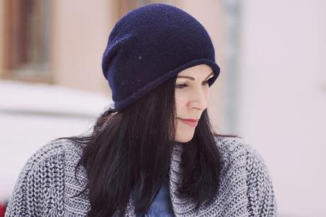 Kleidermaedchen-das-Blog-fuer-Mode-Fashion-Beauty-Lifestyle-Dark-Blue-Cashmere-Beanie-Cos-1