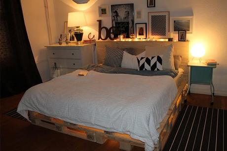 diy paletten bett merry christmas. Black Bedroom Furniture Sets. Home Design Ideas