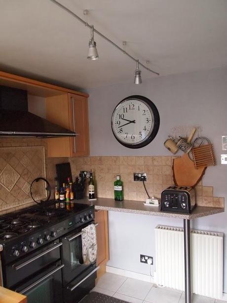 k che frisch gestrichen. Black Bedroom Furniture Sets. Home Design Ideas