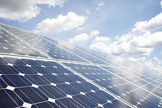 Drei innovative Großbatterien zur Ergänzung von Erneuerbaren Energien