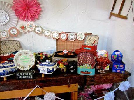 diy hochzeit wie man eine candy bar organisiert. Black Bedroom Furniture Sets. Home Design Ideas