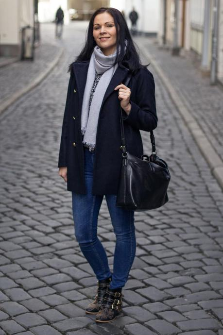 Kleidermaedchen-das-Blog-fuer-Mode-Beauty-Lifestyle-Outfit-Fruehling-Cosy-Spring-Chic-Zara-Mantel-Coat-Isabel-Marant-Bluse-Blouse-outfit-of-the-day-6