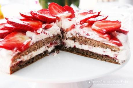 Walnuss Erdbeer Torte { Walnut Strawberry Cake } plus the Birthday Marathon has started ;)