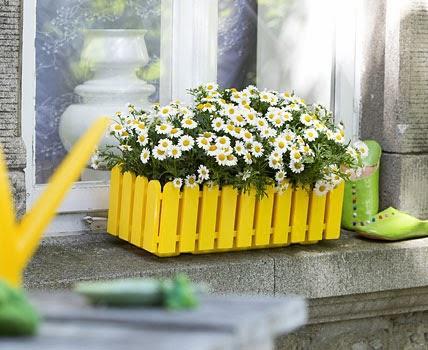 colorful living spring ideen f r den balkon. Black Bedroom Furniture Sets. Home Design Ideas