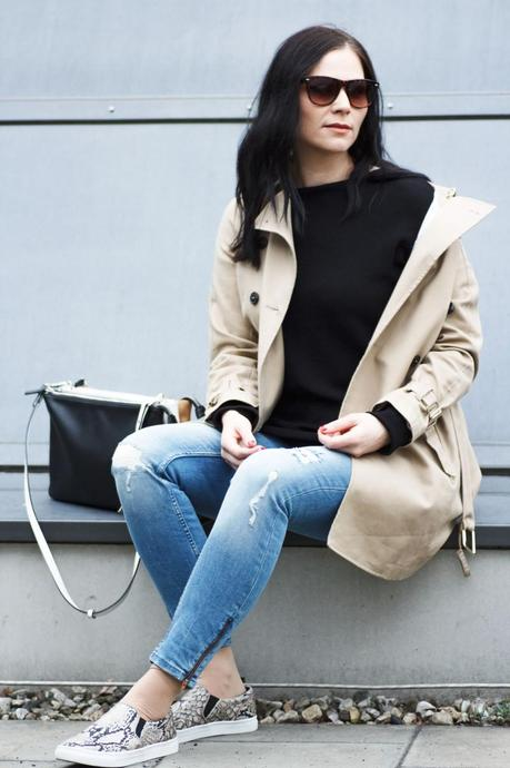 Kleidermaedchen-das-Blog-fuer-Mode-Beauty-Lifestyle-Outfit-casual-slip-on-Zara-Sommermantel-Trenchcoat-ginatricot-Jeans-Zara-Sweater-Pullover-Slip-On-Sneakers-Hm-Zara-Tasche-Outfit-Of-the-day-casual-klassisches-Outfit-Frühlingsoutfit
