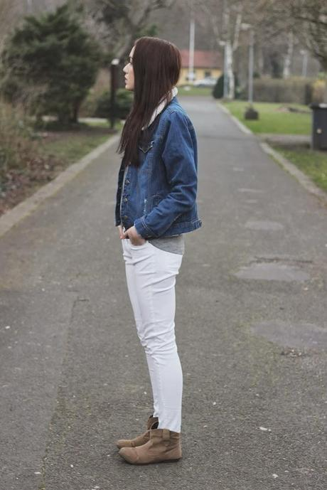 Quick OOTD: Casual white pants