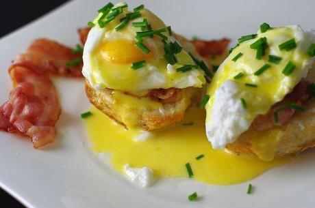 Kuriose Feiertage - 16. April - Nationaler Eggs-Benedict-Tag - der amerikanische National Eggs Benedict Day -Eggs_benedict via Wiki Commons