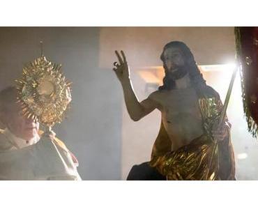 Bild der Woche: Prozession in der Osternacht