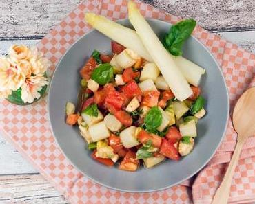 [Low Carb] Italienischer Spargelsalat mit Tomaten, Mozzarella und Avocado