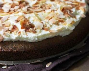 Mohnkuchen mit Milchmädchencreme.