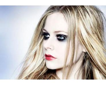 PressStop: Avril Lavigne – Hello Kitty
