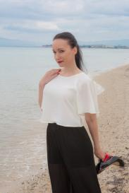 Beach Shooting – H&M Hose and Shirt – Louboutin Pumps