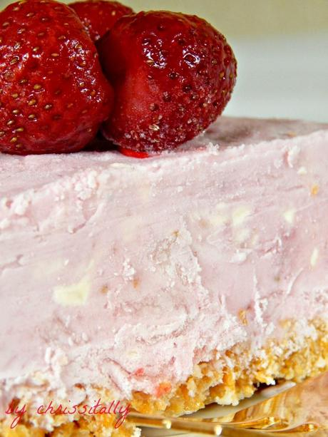 Frozen jogurt-berry cheesecake / Gefrorene Jogurt-Quark-Früchtetorte