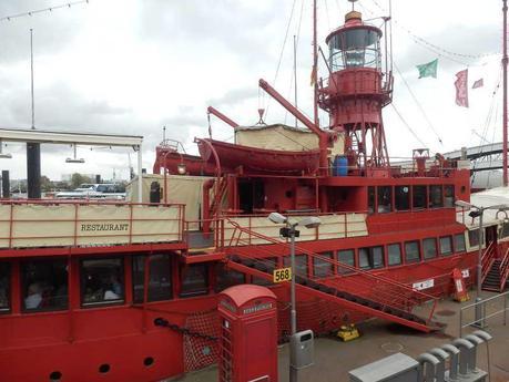Das feuerschiff die etwas andere unterkunft in hamburg for Unterkunft hamburg