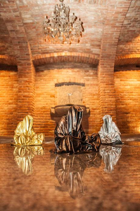 guardians-of-time-waechter-sculptor-manfred-kielnhofer-galerie-art-dealer-freller-modern-contemporary-art-arts-arte-antique-sculpture-statue-3D-form-print-bronze-0905y
