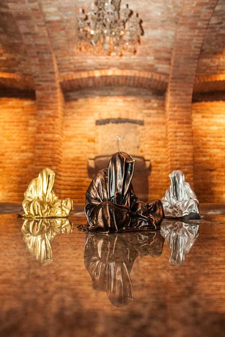 guardians-of-time-waechter-sculptor-manfred-kielnhofer-galerie-art-dealer-freller-modern-contemporary-art-arts-arte-antique-sculpture-statue-3D-form-print-bronze-0913y