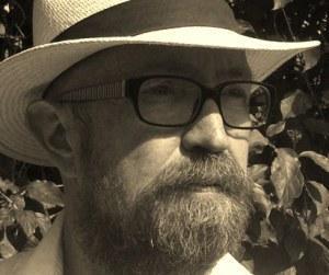 Ein Blick hinter die Buchstaben… Fragen an den Schriftsteller Béla Bolten