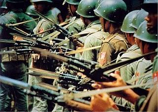 Burma mit seinen über 400'000 Soldaten ruft zur Wehrpflicht auf