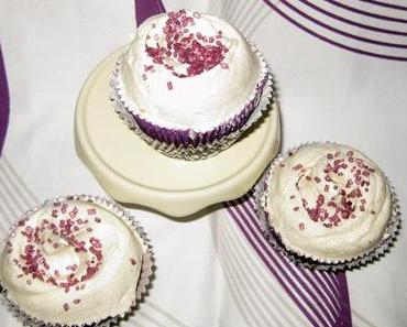 Red Velvet Cupcakes & Vanilla Frosting *vegan*