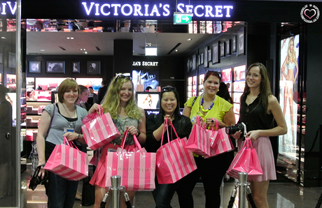 happy-girls-victorias-secret
