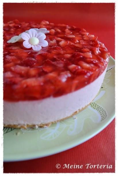 erdbeer quark torte strawberry curd cake. Black Bedroom Furniture Sets. Home Design Ideas