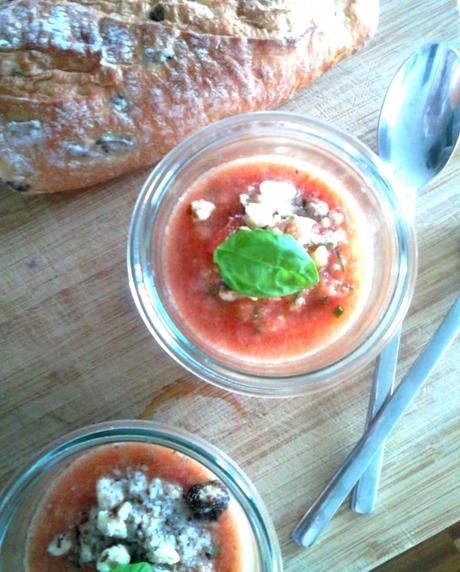 heute gibt es suppe tomaten melonen gazpacho. Black Bedroom Furniture Sets. Home Design Ideas