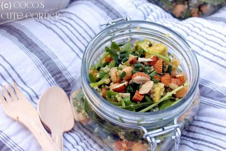 quinoa salat mit aprikose und rucola picknick themenwoche. Black Bedroom Furniture Sets. Home Design Ideas