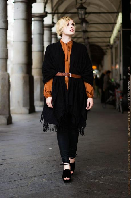 Look du jour // Poncho meets leather pants