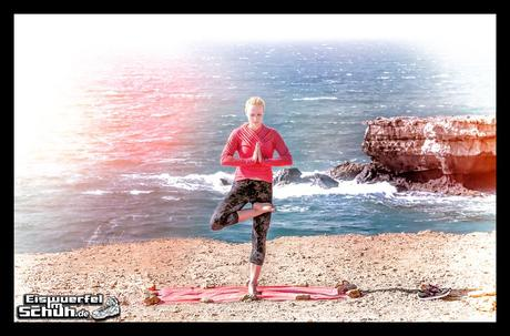 EISWUERFELIMSCHUH - YOGA Motivation Ocean Beach Summer Sun Cliff (2)